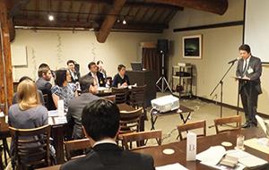 講義や利き酒を通して日本酒の魅力を伝えた
