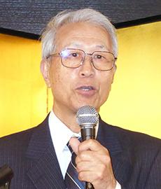 三浦洋四郎理事長