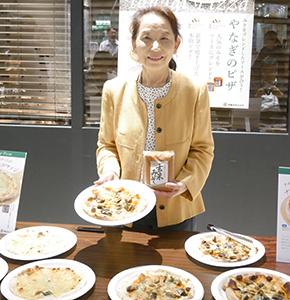 6月13日にCoCoLo長岡で試食会を実施し、味噌の新たな需要喚起へ意欲を示す柳和子代表取締役