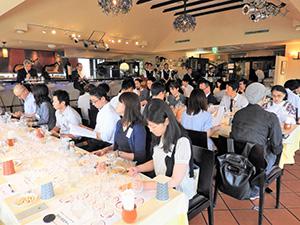 テイスティングセミナーには多くのワイン業界関係者が参加した