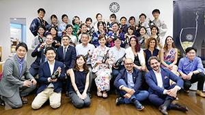 亜細亜大学で特別講義を開催したプロセッコDOCワイン保護協会とホスピタリティ・マネジメント学科の学生たち