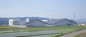 良質な水、優れた都心アクセスが特徴の魚沼水の郷工場(第二工場含む)