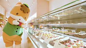 柿沢安耶氏による群馬県産野菜などを使ったオリジナルスイーツを販売