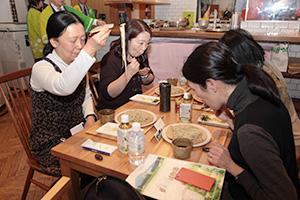 長野県信州そば協同組合が2月に都内で開いた試食イベント