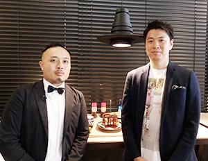 とんかつプロジェクトリーダーの道満龍彦・東京支店主任(右)とソースソムリエの林浩信・グロリアスチェーンカフェ心斎橋店店長