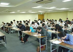 チェッカー技能検定では技能だけでなく筆記試験も行われる