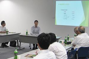 有機農業の現状について講演する山口貴義山口農園代表取締役
