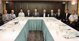 8月31日、東京都千代田区のホテルニューオータニで開かれた選考委員会
