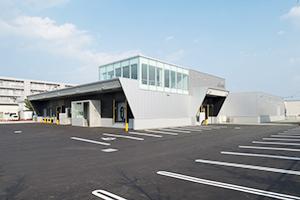 JR新札幌駅より車で約15分の場所にあるBAKE北海道工場