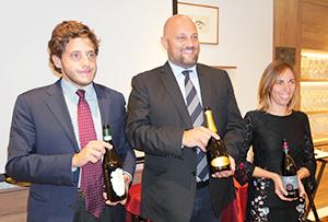OP保護協会から来日した生産者(左からトラヴァリーノ社のアレッサンドロ・チェッリ・コーミ氏、カ・モンテベッロ社アルベルト・スカラーニ氏、コンテ・ヴィスタリーノ社のサラ・フォンタネージさん)