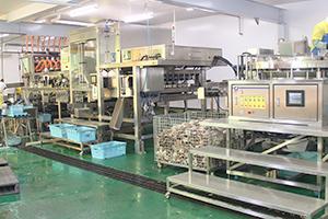 ホタテ貝柱の自動生剥きを実現したロボットシステム