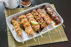 海外日本食 成功の分水嶺(63)鶏肉料理専門店「鳥屋花バンコク店」 希少部位…