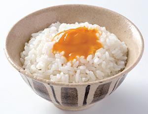 「卵かけご飯風」1食当たり260kcal(ご飯約120g・200kcal、本品10g・60kcal)、食塩相当量0.4g