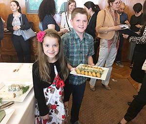 在ブルガリア日本大使館主催レセプションで、振る舞われた冷凍寿司