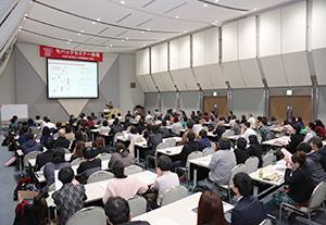 新製品・新技術・新情報を集めたモバックセミナーにも来場者の関心は集まる