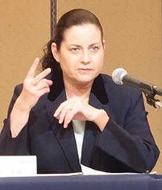 サラL・カサノバ社長