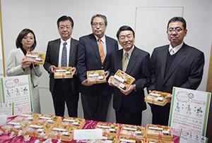 「健康テーマの弁当にチャレンジして成長したい」と語る藤本典子藤本食品社長(左)