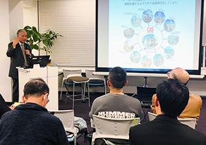 1次産業復興に力を注ぐアビーの大和田哲男社長の講演に、多くの参加者が耳を傾けた