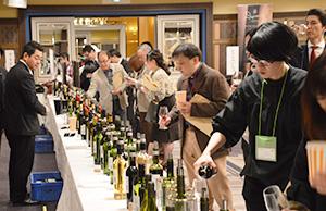 ワインをはじめ、多数の輸入洋酒を紹介した