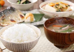 日本人の健康の源、ご飯を中心とした和食メニュー(ごはん彩々)